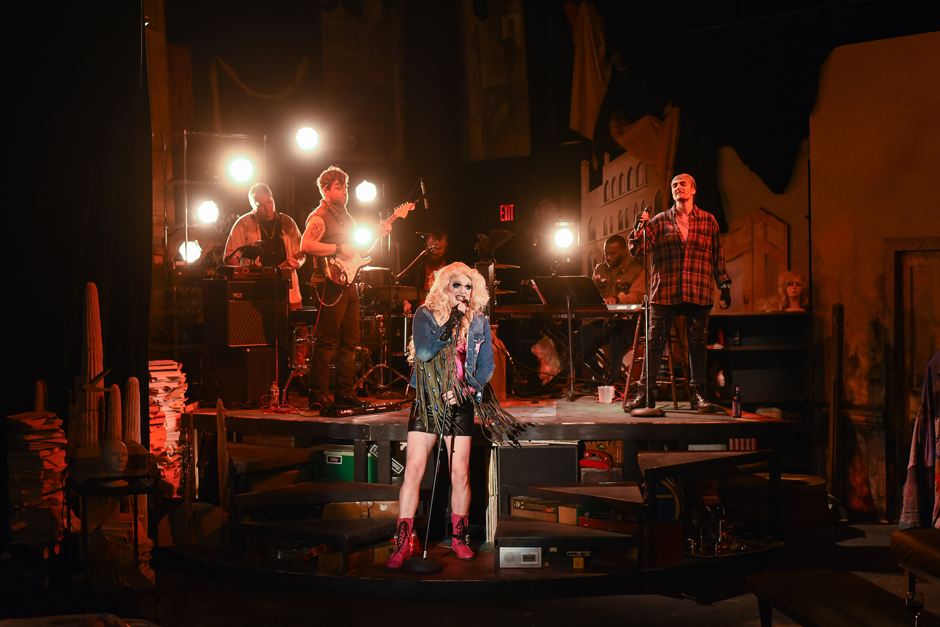 "CCC Review:  The Tea Is ""Hedwig"""